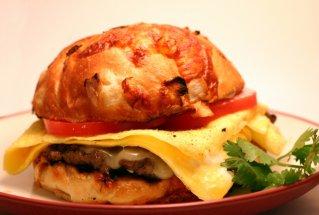 breakfast-burger by james rubio at sxc.hu on thrivelowcarb.com