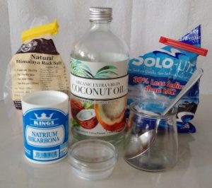 healthy home made toothpaste recipe at thrivelowcarb.com